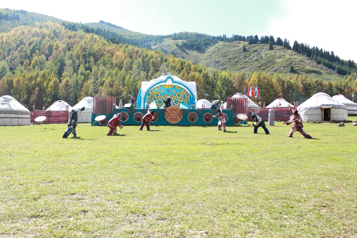Representatives from all the regions still demonstrate theatretical performances in Kyrchyn Gorge