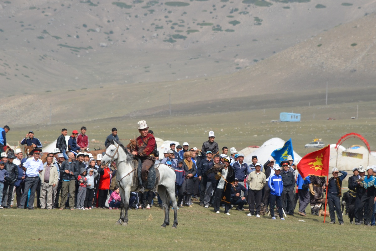 Competitions in salbuurun at the First World Nomad Games 2014